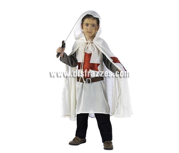 Disfraz de Medieval Templario Deluxe para niño. Alta calidad, hecho en España. Disponible en varias tallas. Incluye casaca, capa y cinturón. Espada NO incluida, podrás encontrarla en nuestra sección de Complementos.