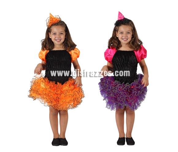 Disfraz de Bruja con falda de volantes para niña. Talla de 3 a 4 años. Disponible en 2 modelos surtidos. Precioso disfra con el que tu hija estará preciosa en Halloween, seguro que con éste vestido tan original será la más guapa.