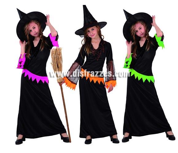 Disfraz muy barato de Bruja con telarañas para niña. Talla de 7 a 9 años. Incluye vestido y sombrero.  Escoba NO incluida, podrás verla en la sección de Complementos. Disponible en 3 modelos surtidos, precio por unidad, se venden por separado.