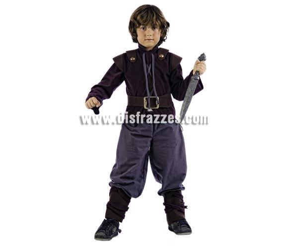 Disfraz de Aventurero Medieval Deluxe para niño. Alta calidad, hecho en España. Disponible en varias tallas. Inlcuye camisa con cinturón y pantalón con polainas. Espada NO incluida, podrás encontrar en la sección de Compplementos.
