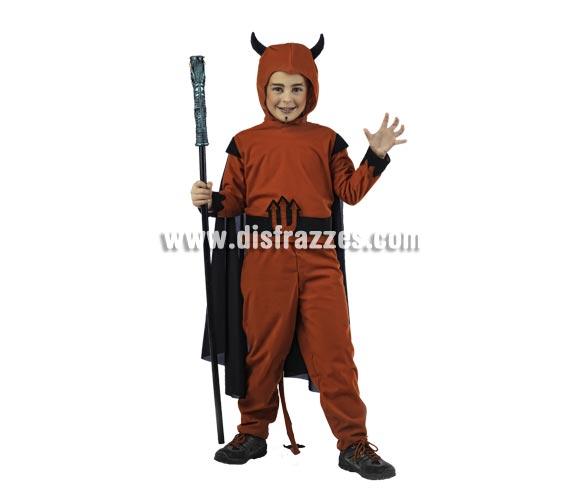 Disfraz de Diablo Deluxe para niño. Alta calidad, hecho en España. Disponible en varias tallas. Incluye camisa, pantalón y gorro. Batón NO inlcuido, podrás encontrar en nuestra sección de Complementos.