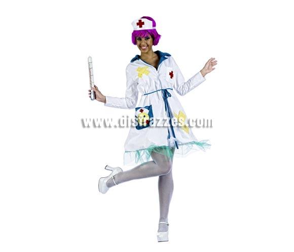 Disfraz de Enfermera Sexy Deluxe para mujer. Alta calidad, hecho en España. Disponible en varias tallas. Incluye vestido y gorro. Termómetro y peluca NO incluidos, podrás encontrar en nuestra sección de Complementos.
