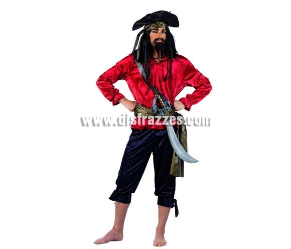 Disfraz de Pirata Greg Deluxe para hombre. Alta calidad, hecho en España. Disponible en varias tallas. Incluye camisa, pantalón, fajín y gorro. Espada NO incluida, podrás encontrar en nuestra sección de Complementos. Éste disfraz hace pareja con la ref. MA736LI.