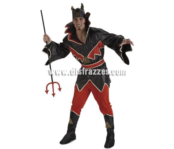 Disfraz de Diablo Fuego para hombre. Talla única de caballero. Incluye pantalón, casaca, cinturón, gorro y cubrebotas. Tridente NO incluido, podrás verlos en la sección de Complementos.