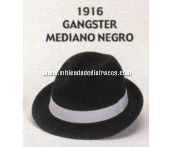 Sombrero de Ganster mediano negro con cinta blanca. Buena calidad, fabricado artesanalmente en España. Posibilidad de ajuste de precio para grupos. Sombrero de Michael Jackson.