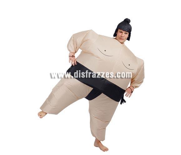 Disfraz de Sumo hinchable. Talla Universal. Incluye peluca de tela y mecanismo para hinchar. Pilas NO incluidas.