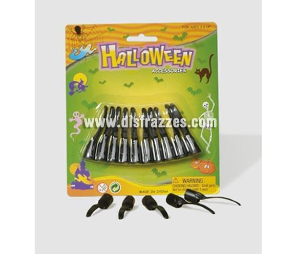 Uñas largas negras adaptables para Halloween. Se meten en los dedos.