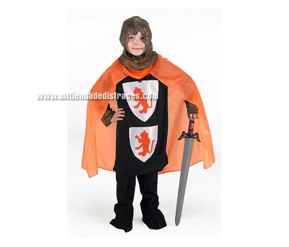Disfraz de Caballero de las Cruzadas Naranja talla de 10 a 12 años para niño. Incluye pañuelo, capucha, capa, botas y camisa. Espada NO incluida, podrás verla en la sección Complementos.