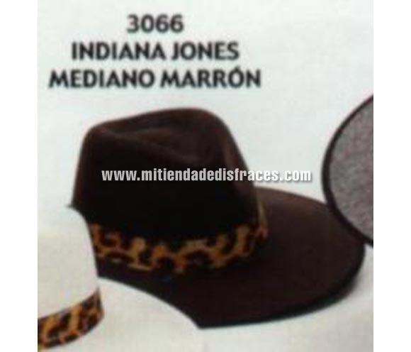 Sombrero de Indiana Jones mediano de color marrón. Buena calidad, fabricado artesanalmente en España. Posibilidad de ajuste de precio para grupos.