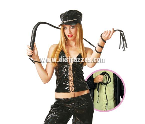 Látigo de 180 cm. Se usa mucho para disfraces de Sado o para Despedidas de Soltera y por supuesto para Indiana Jones y Domador o Domadora de Circo.