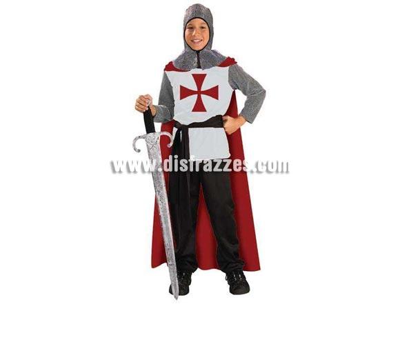 Disfraz de Cruzado Medieval infantil. Talla de 8 a 10 años. Incluye túnica con capa, cinturón y capucha de malla. Espada NO incluida, podrás ver espadas en la sección Complementos - Armas.