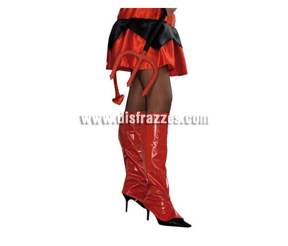 Cubrebotas de Vinilo Rojas para Halloween. Talla Universal adulta. Ideal como complemento de tu disfraz de Diablesa para Halloween.