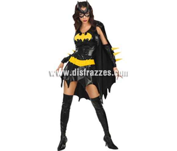 Disfraz de Bat Girl adulta para Halloween o Carnaval. Talla M = 40/42 de mujer. Incluye vestido con capa, guantes, antifaz, cinturn y cubrebotas de vinilo. ste disfraz de Halloween es ideal para celebrar la Fiesta de la Noche de las Brujas en Pubs, Discotecas, Casas particulares,  Restaurantes o Colegios y ayudar a crear un ambiente terrorfico y tenebroso indispensable para la Noche de Halloween la cual se celebra la vspera de Todos los Santos.