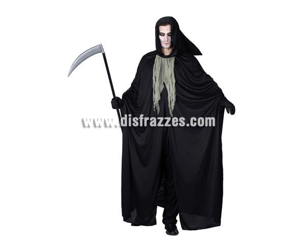 Disfraz de la Muerte adulto para Halloween barato. Talla Standar M-L = 52/54. Incluye capa con capucha y chorrera. Guadaña NO incluida, podrás verla en la sección de Complementos de Halloween.