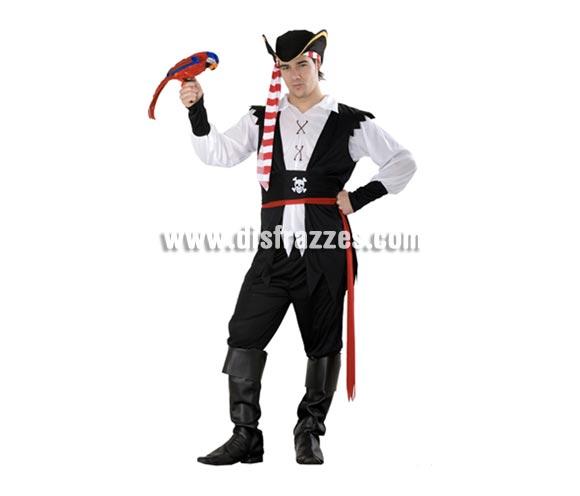 Disfraz de Pirata Antillano adulto. Talla standar M-L = 52/54. Incluye sombrero, camisa, chaleco, 2 cinturones, pantalón y cubrebotas. Loro NO incluido, lo verás en la sección de Complementos con la ref. 89333BT.