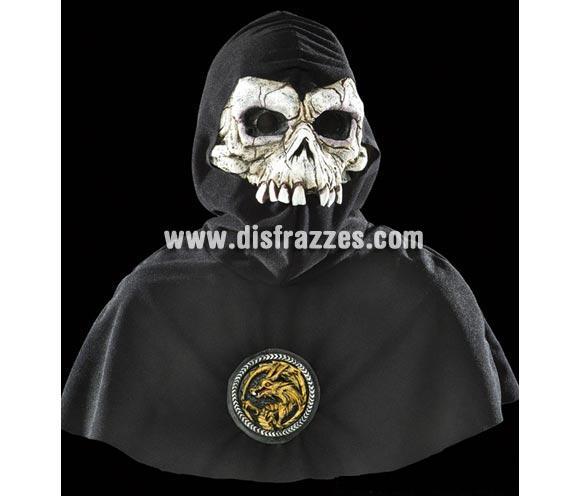 Careta Calavera con capucha y medallón para Halloween.