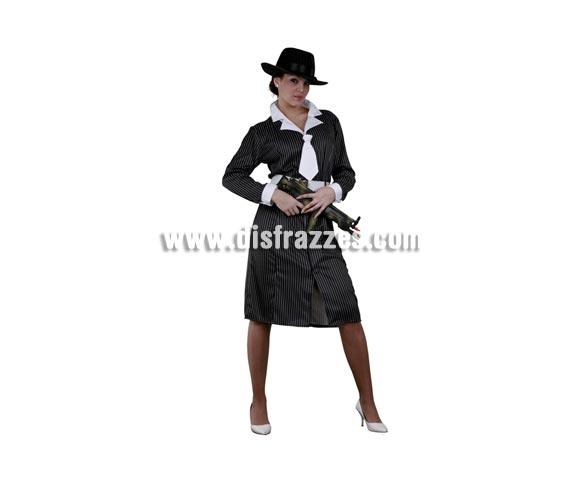 Disfraz de Gánster adulta. Talla standar M-L 38/42. Incluye vestido con cuello y corbata y cinturón. Sombrero y metralleta NO incluidos. El sombrero podrás verlo en la sección de Complementos.