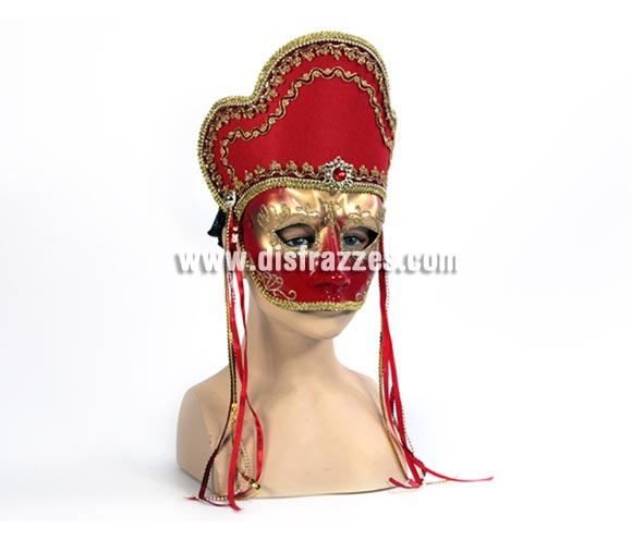 Máscara Veneciana roja con dibujos dorados. Talla Universal.