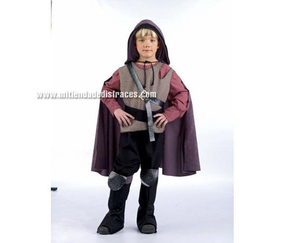 Disfraz de Guerrero Medieval infantil Deluxe. Hecho en España. Disponible en varias tallas. Incluye pantalón, cubrebotas, fajín y camisa con capa y cinturón.