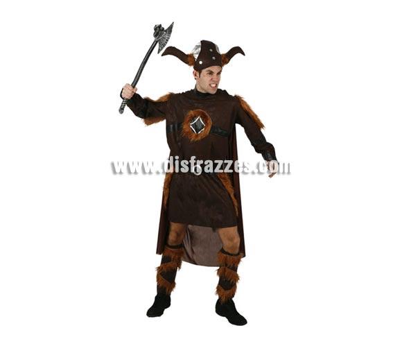 Disfraz de Vikingo adulto. Talla 2 ó talla standar M-L = 52/54.  Incluye túnica con capa, cinturón, gorro y cubrepiernas. Hacha NO incluida, podrás ver hachas en la sección de Complementos. Lapareja de éste disfraz es la ref. 95180AT.