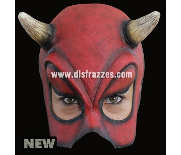 Media máscara de Diablesa Sexy de latex. Alta calidad. Fabricada en látex artesanalmente por una empresa que hace efectos especiales para Hollywood.