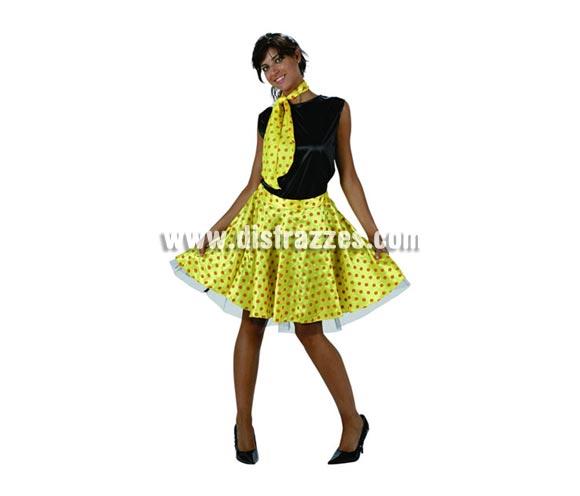 Disfraz barato de chica de los años 50 amarillo para mujer. Talla 2 ó talla standar M-L = 38/42. Incluye camisa, falda y pañuelo.