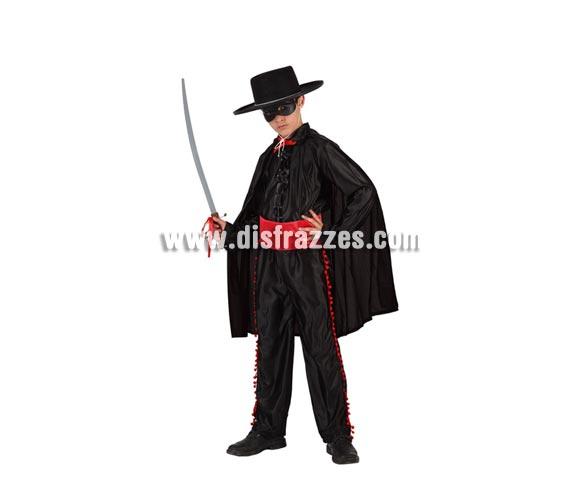 Disfraz de Héroe Enmascarado para niños de 10 a 12 años. Incluye capa, pantalón, fajín, camisa y antifaz. Espada NO incluida, podrás verla en la sección Complementos.